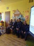 Policjanci i kolejarze u przedszkolaków w Nędzy