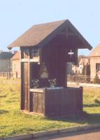 Drewniana kapliczka Jana Nepomucena