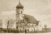 Stare zdjęcie ukazujące kościół w Nędzy od strony wieży